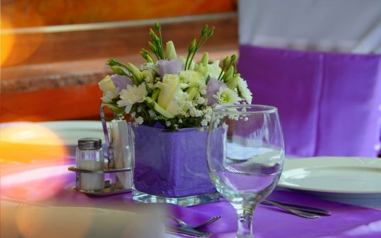 wedding-table-3460969_1920-min